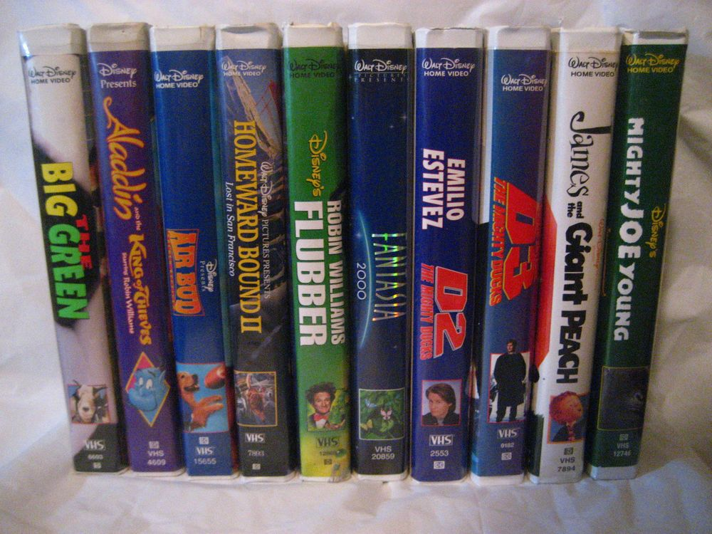 Walt Disney Home Video Lot 10 Vhs Tapes Aladdin Air Bud Fantasia Micky Mouse Lot Vhs Disney Vhs Vhs Tapes Air Bud