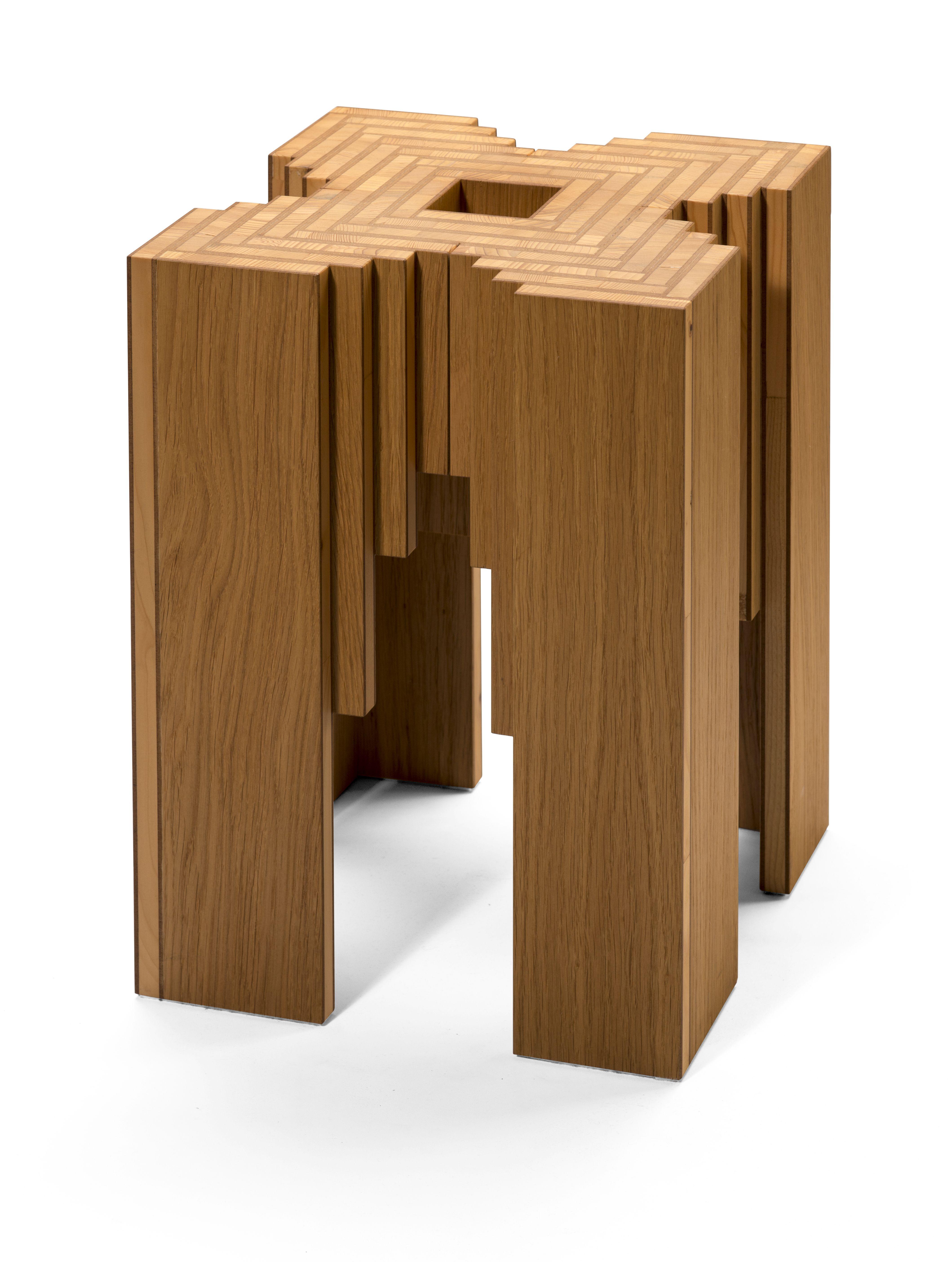 Tisch beistelltisch fischgr te design orterfinder for Tisch design eiche