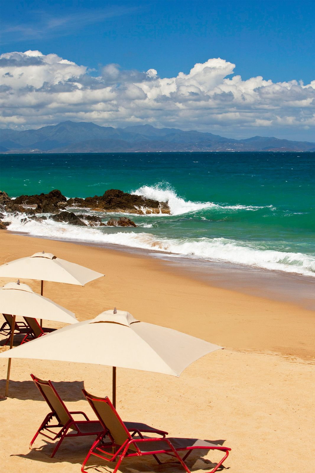 32 Incredible LastMinute Vacations That Dont Cost A