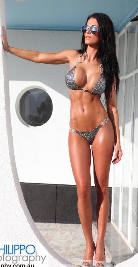bikini-galerie-griechisches-supermodel