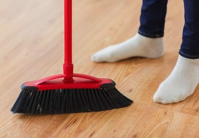31 Ways To Fake A Clean House Clean House Housekeeping Tips Cleaning