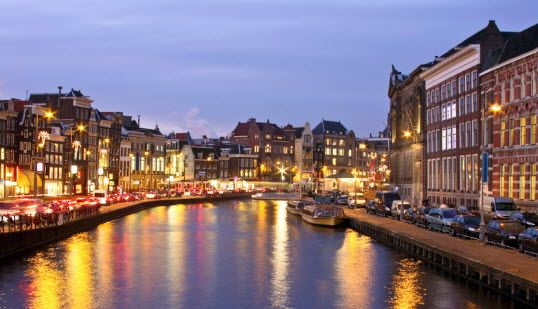 Top 5 Places To Stay In Amsterdam