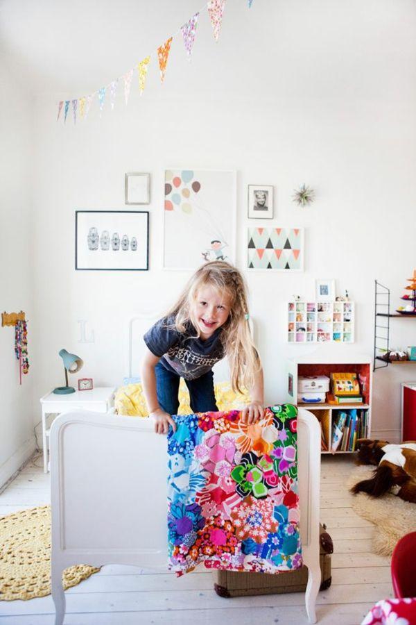 schaffen sie ordnung im kinderzimmer 12 nutzliche beispiele kinderzimmer einrichtungen. Black Bedroom Furniture Sets. Home Design Ideas