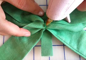 The Shabby | A Quilting Blog by Shabby Fabrics: How to Make a Fabric Bow | Tutorial #fabricbowtutorial