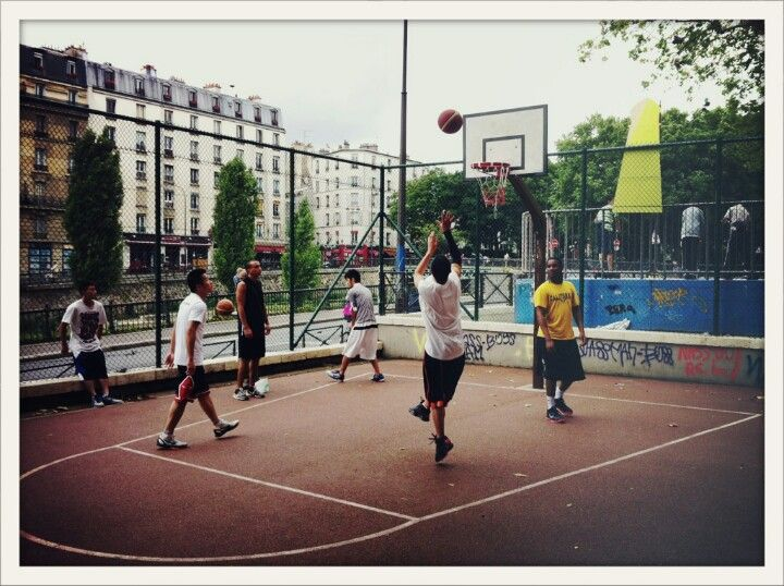 Canal St Martin Playground With Images Playground Basketball