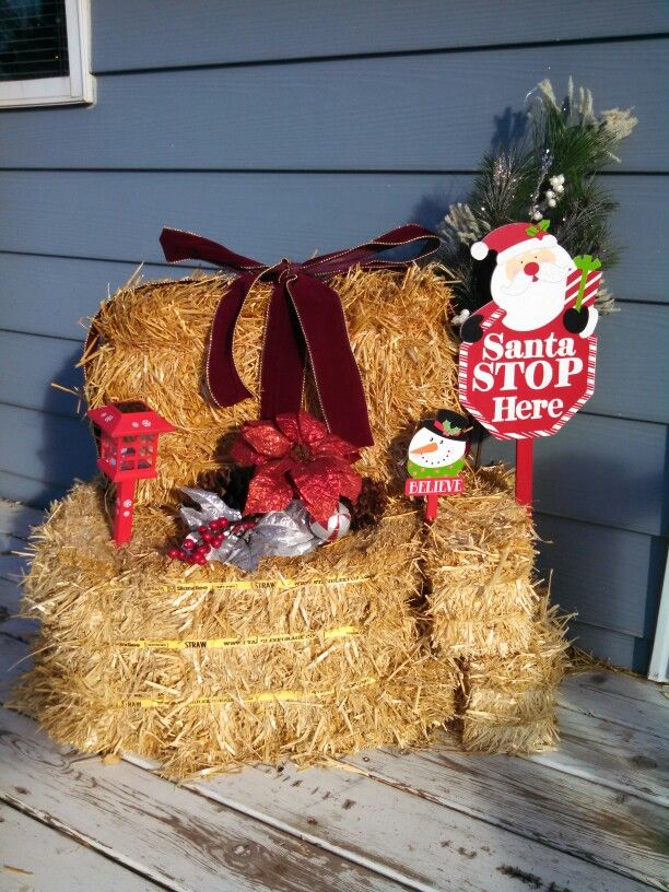 Reusing Straw Bales From Fall Outdoor Decor For Christmas Holiday