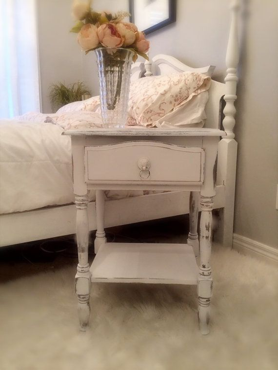 table de chevet vintage romantique end table