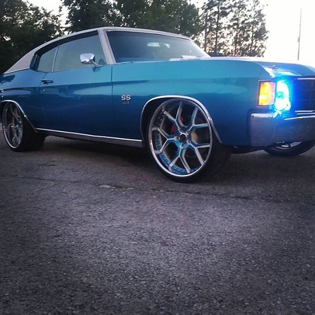 72 Chevelle Becausess Blue And White Corsa Rucci Forged Wheels 22