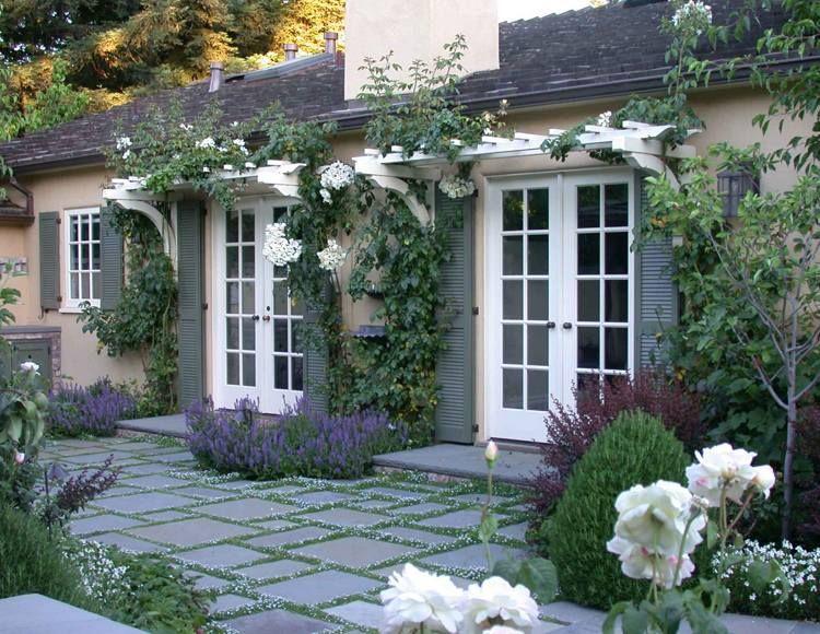Dalles terrasse à joints plantés- idées géniales de déco jardin ...