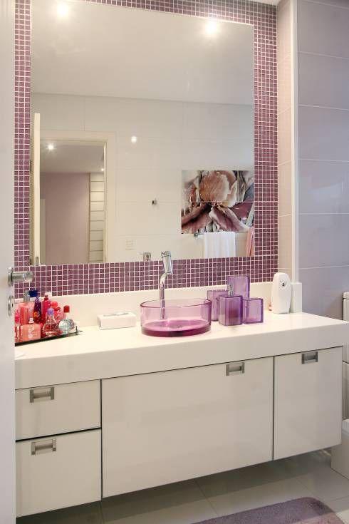Apartamento Vila Rica Santos: Banheiros Moderno por Lucia Navajas -Arquitetura & Interiores