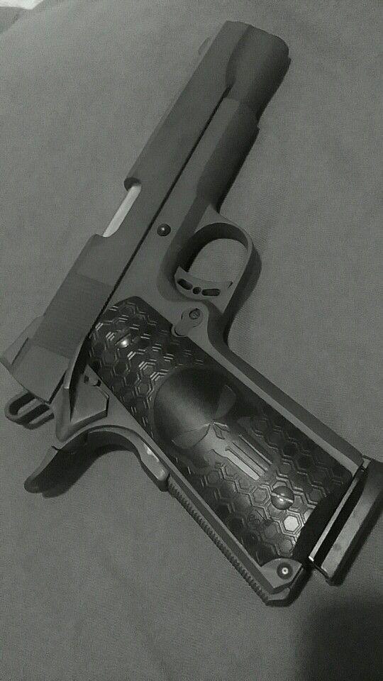 Punisher 1911 .45 rock island   Pistolas/Revólveres.   Pinterest ...