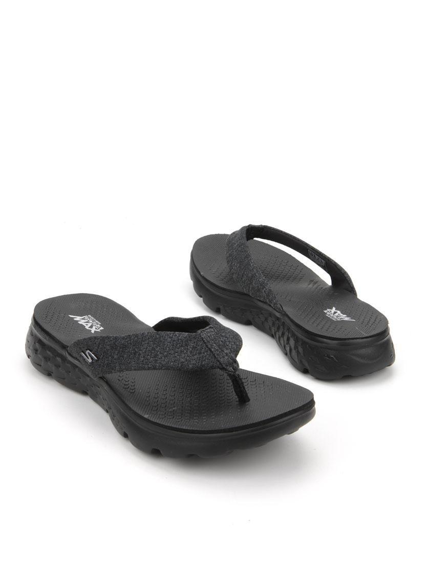 Skechers Go Walk slipper Description: Skechers Go Walk slippers in het zwart.  Deze dames