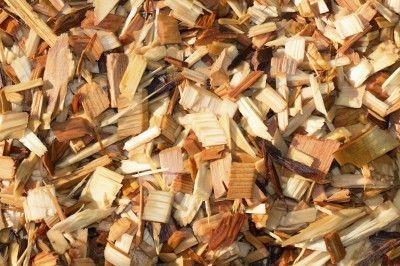 Using Cedar For Mulch Shredded Cedar Mulch Benefits And Problems Mulch For Vegetable Garden Garden Mulch Garden Pests