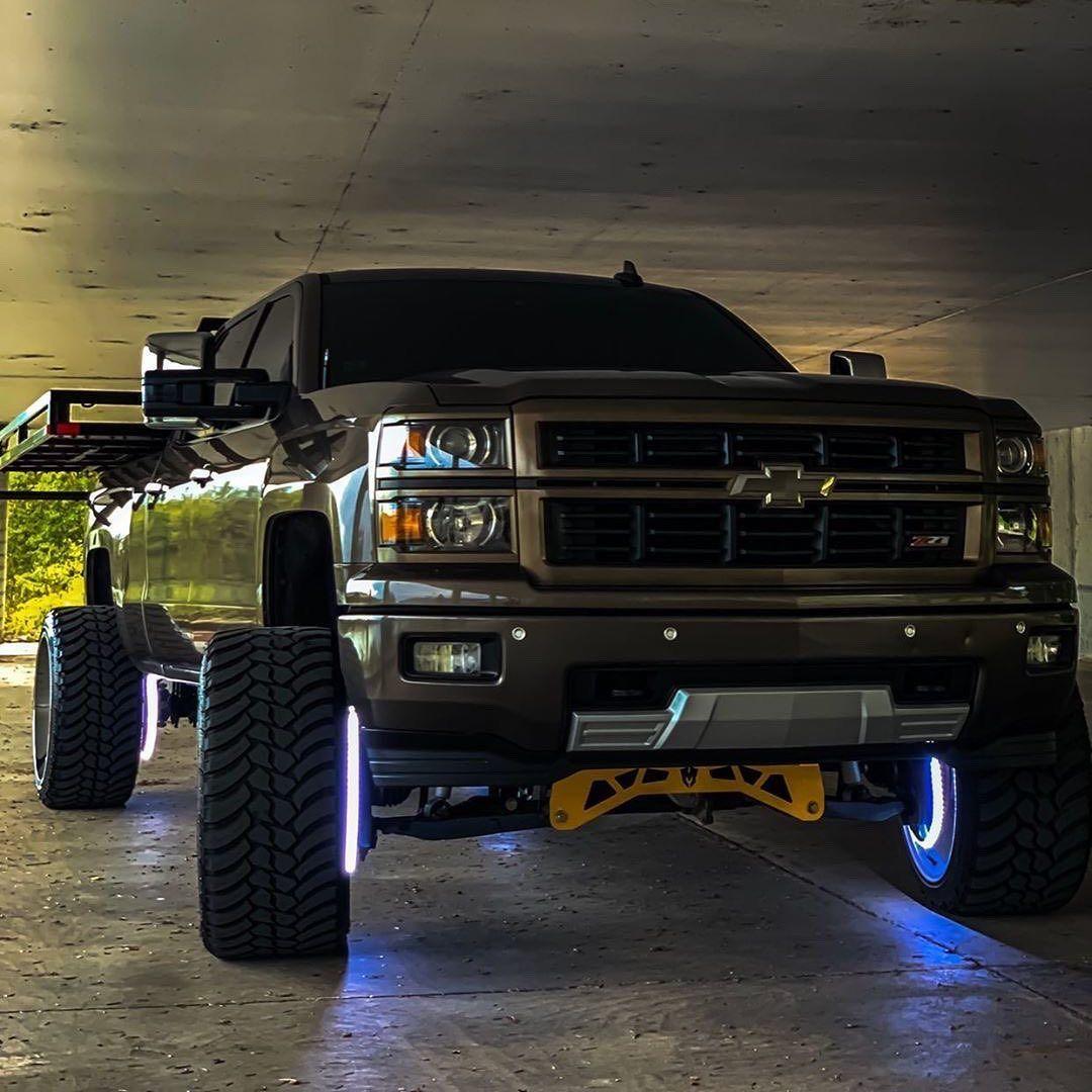 Dominic Wiersema22 Liftedchevys Gm Gmtrucks Chevrolet Chevy Gmc Duramax Diesel Silverado Trucks 4wd Liftedtruc Chevrolet Trucks Gm Trucks Duramax