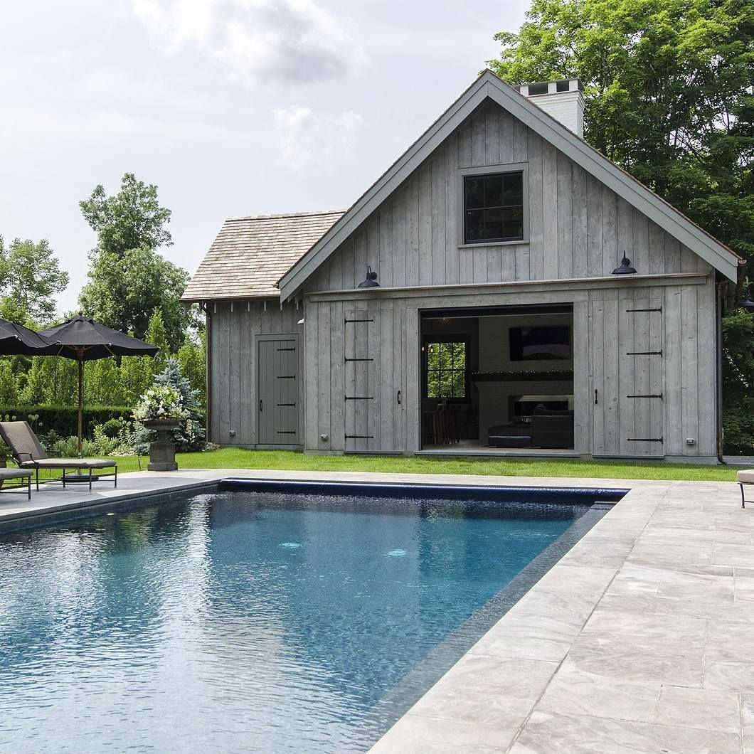Farmhouse Backyard With Pool Pin By Katie Smith On Barn Pool House Pool Houses Barn