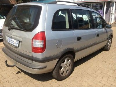 Opel Zafira 2 2 Elegance 2005 R60 000