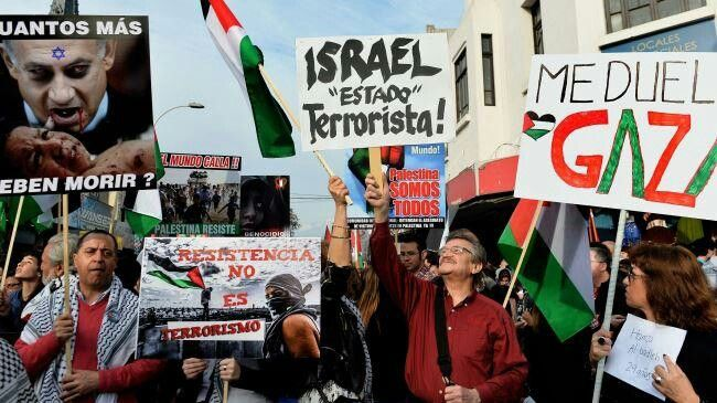 Thousands in Chile demand government break ties with Israel. #FreePalestine #SolidarityWithGaza