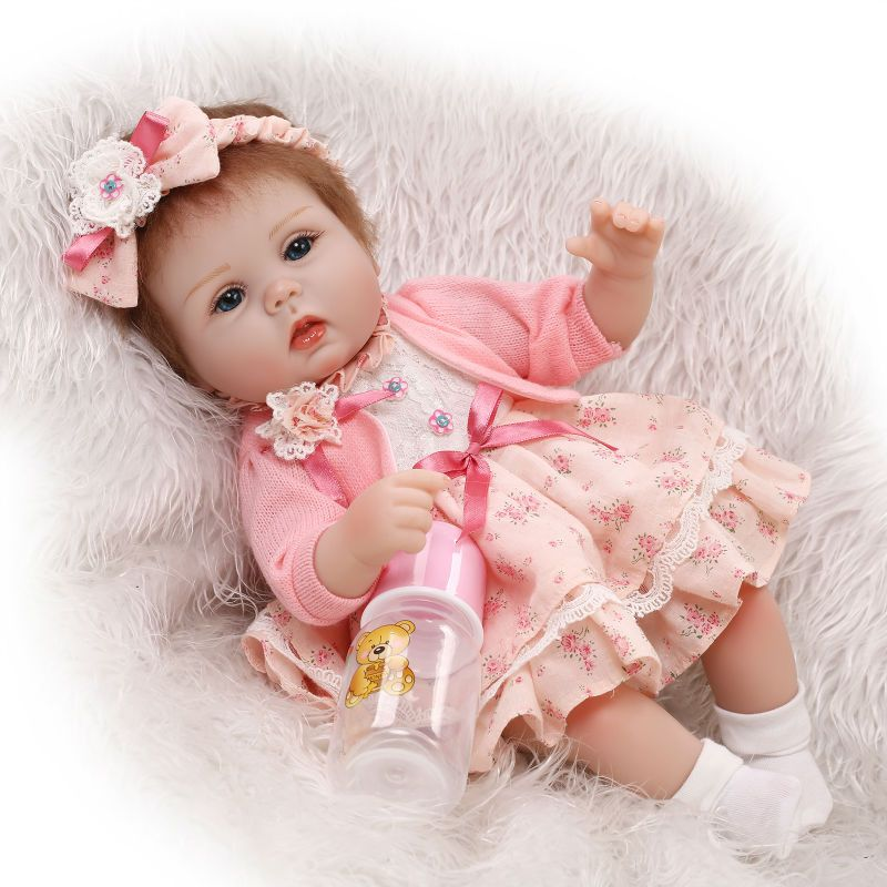 Encontrar Más Muñecas Información acerca de lifelike reborn lovely premmie  baby doll realistic baby rooted hair playing toys for kids Christmas Gift e7dd4cf38829