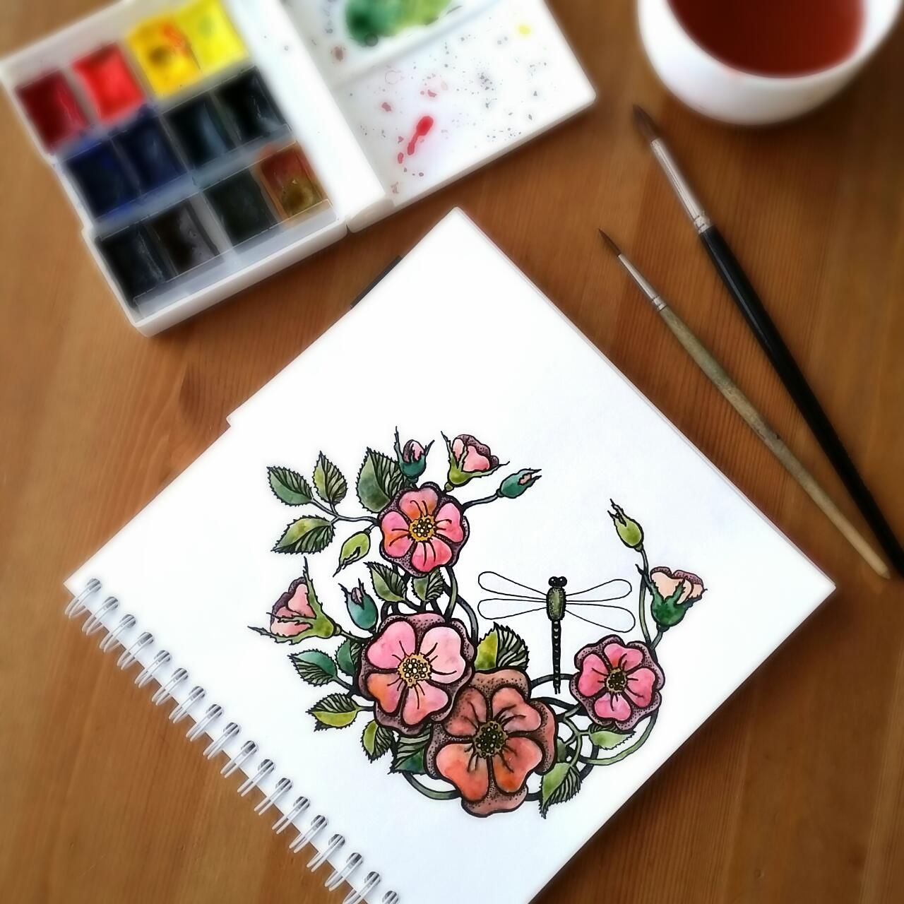 Цветущий шиповник | Рисунок пера, Чайные розы, Цветы  Цветочки Розы