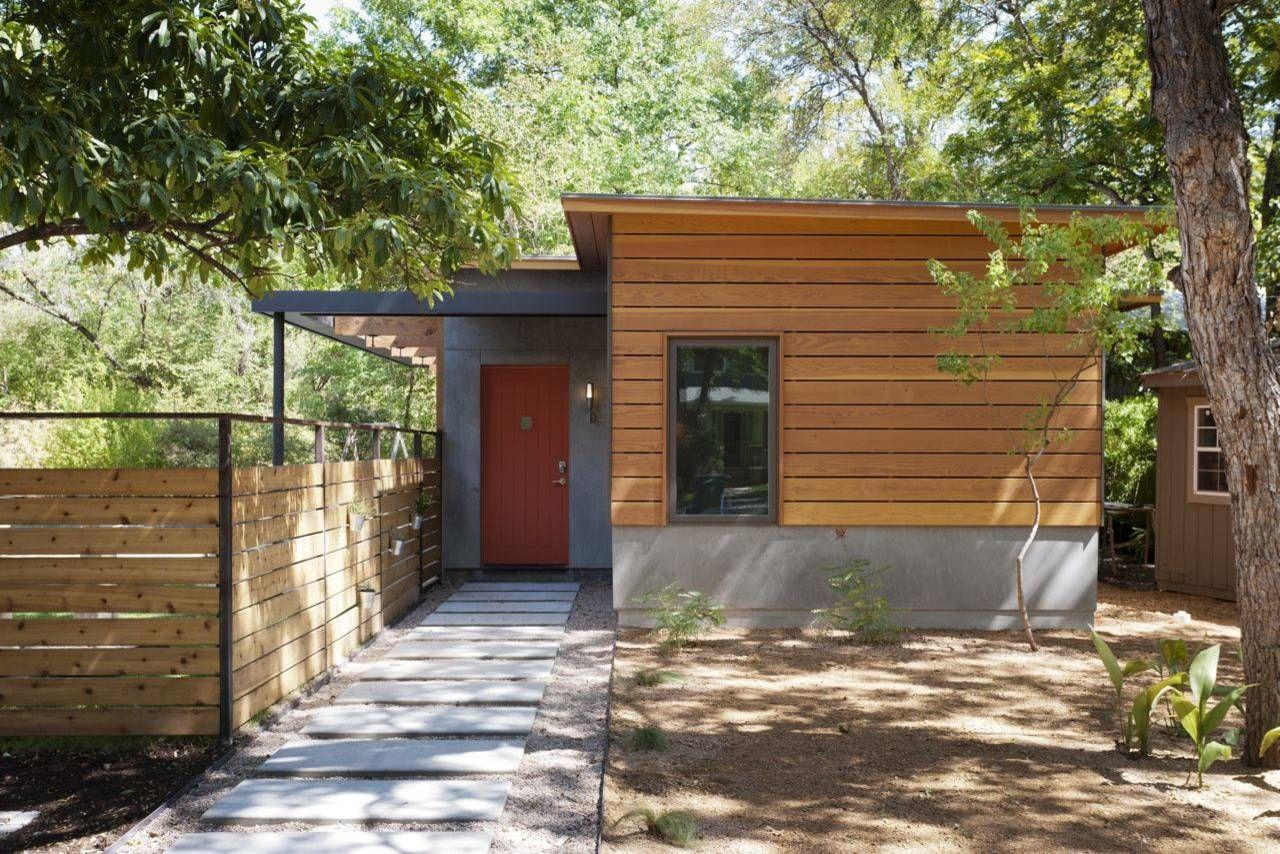 Horizontal Slats Modern Entry Guest House House Exterior