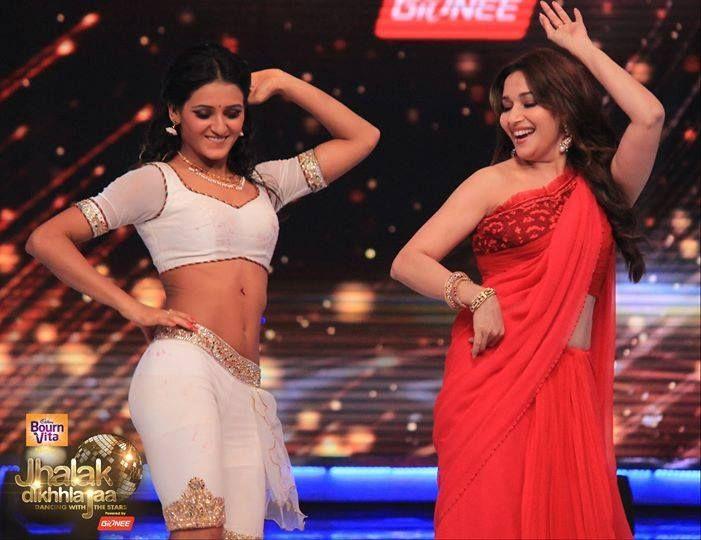 madhuri dixit in red saree | Bollywood saree, Saree, Red saree