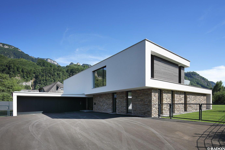 Einfamilienhaus pool flachdach steinfassade for Flachdach einfamilienhaus