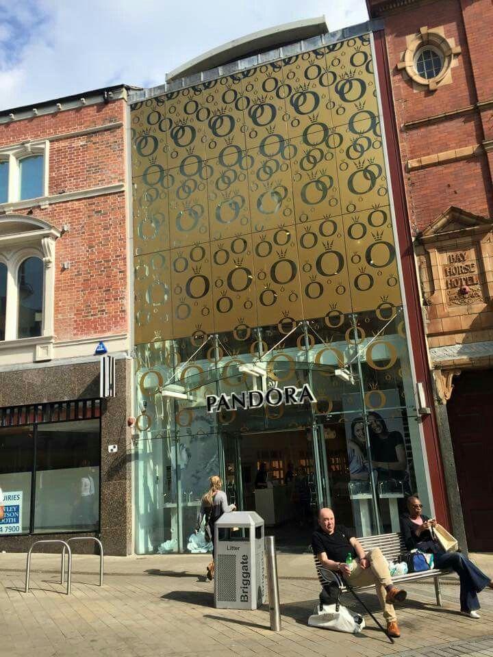Gold Pandora store front