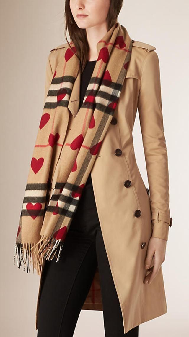 09a172c51c03 Check Hearts Cashmere Scarf   Fashion Winter   Burberry, Cashmere ...