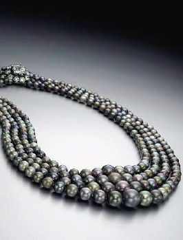 Natural black Tahitian pearls, Christies magnificent jewel auction 2015