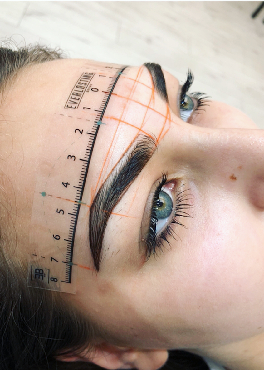 7 Things You Must Know If You're Going For Microblading.  Aren't you tired of spending so much time trying to make your eyebrows look perfect? Microblading claims to be the perfect semi-permanent method to achieve this without having to spend so much time every day to achieve it. Here are some facts you should know before getting it. #perfecteyebrows