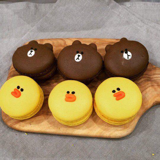 Macarons, Brown And Sally // Patrizia Conde