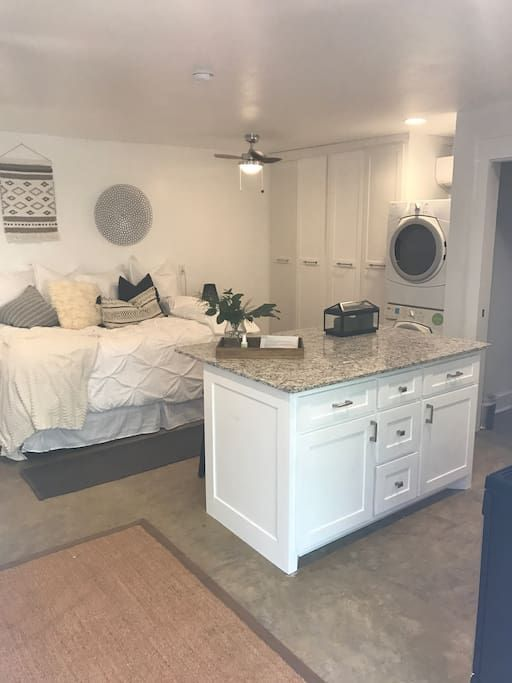 in Fayetteville, United States. 324 Sq Ft Studio Private entrance 2 parking spots Fenced in yard and patio for the pups and outdoor hanging Glass french doors open to patio area  Less than a mile to downtown entertainment district Fully Furnished with: 1 Queen, 1 Rollaway twin a...