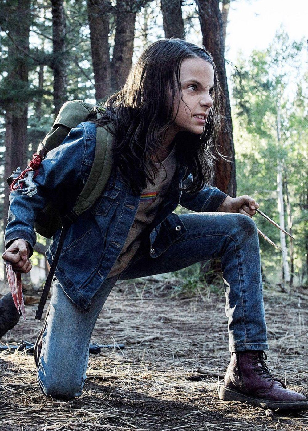 Teen Logan bekommt genagelt in doppelt penetration