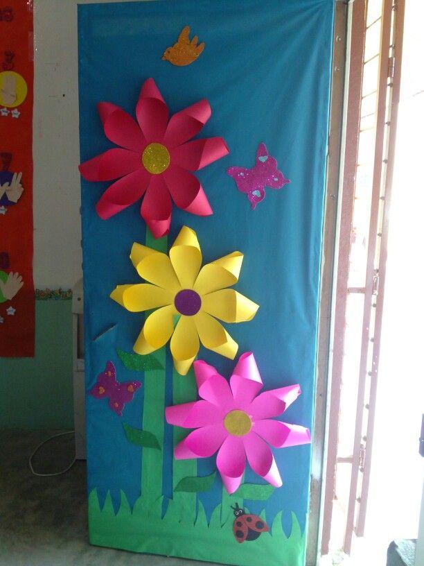 Puerta de marzo puertas puertas de escuela puertas for Decoracion puerta aula infantil