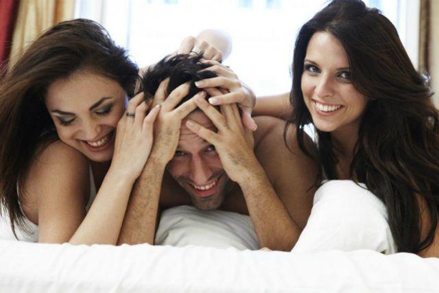 Kissing naked lesbians videso