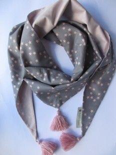 Foulard Nuée d étoiles rose   gris   Echarpe, foulard, cravate par  poisson-d-avril 3fe99b996e0