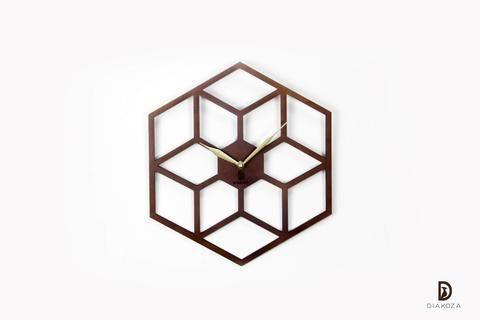 لمحبي الفن الهندسي الراقي ساعة حائط أنيقة مصنوعة من أجود أنواع الخشب تصميمها المميز يجعل منها قطعة رائعة تجعل من جدران منز Pendant Light Ceiling Lights Decor