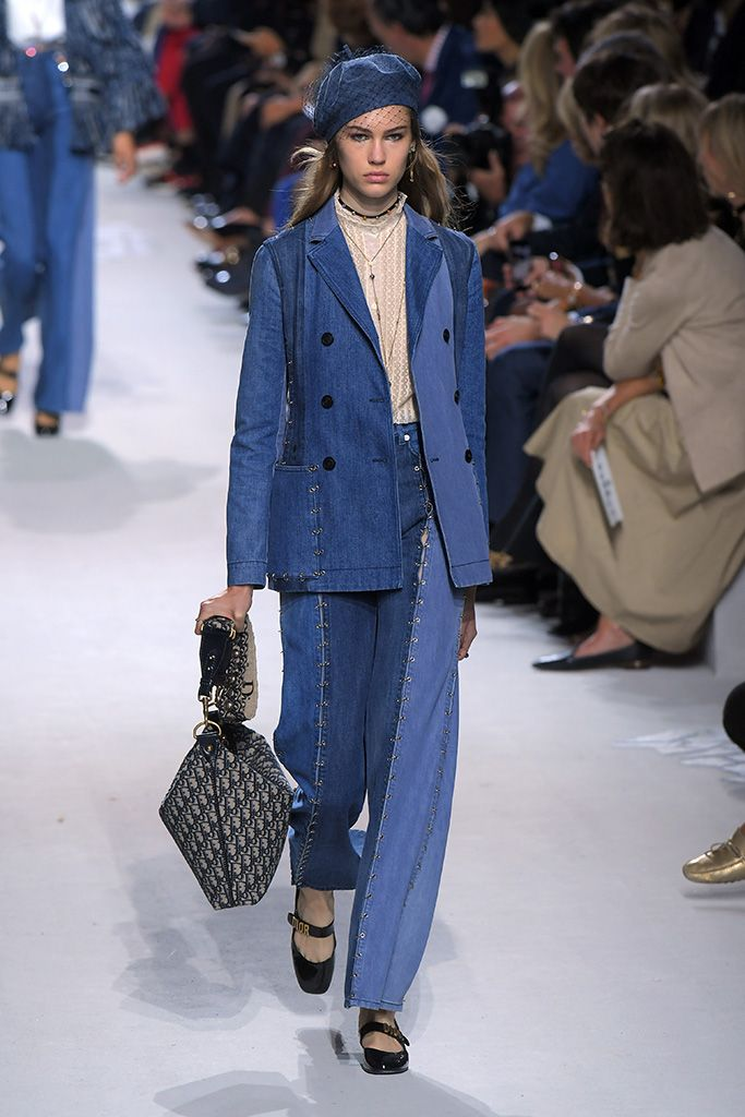 These Are the 8 Trends Everyone Will Be Wearing in 2018 | Clear shoes,  Christian dior and Dior
