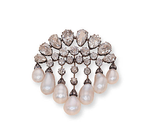 wreath pin pear have which some them eight of pinterest diamond a sixteen interwoven motifs shaped within series pearls suspended