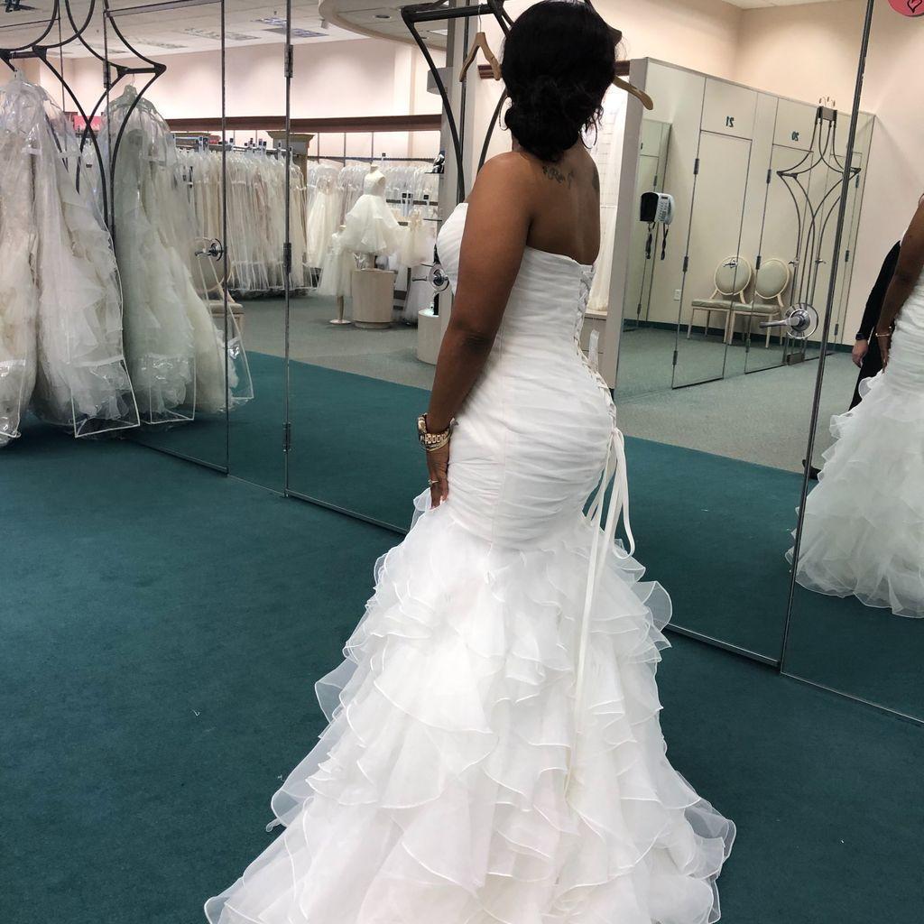 Ruffled Organza Plus Size Mermaid Wedding Dress David S Bridal Plus Size Bridal Dresses Mermaid Wedding Dress Wedding Dresses [ 1024 x 1024 Pixel ]