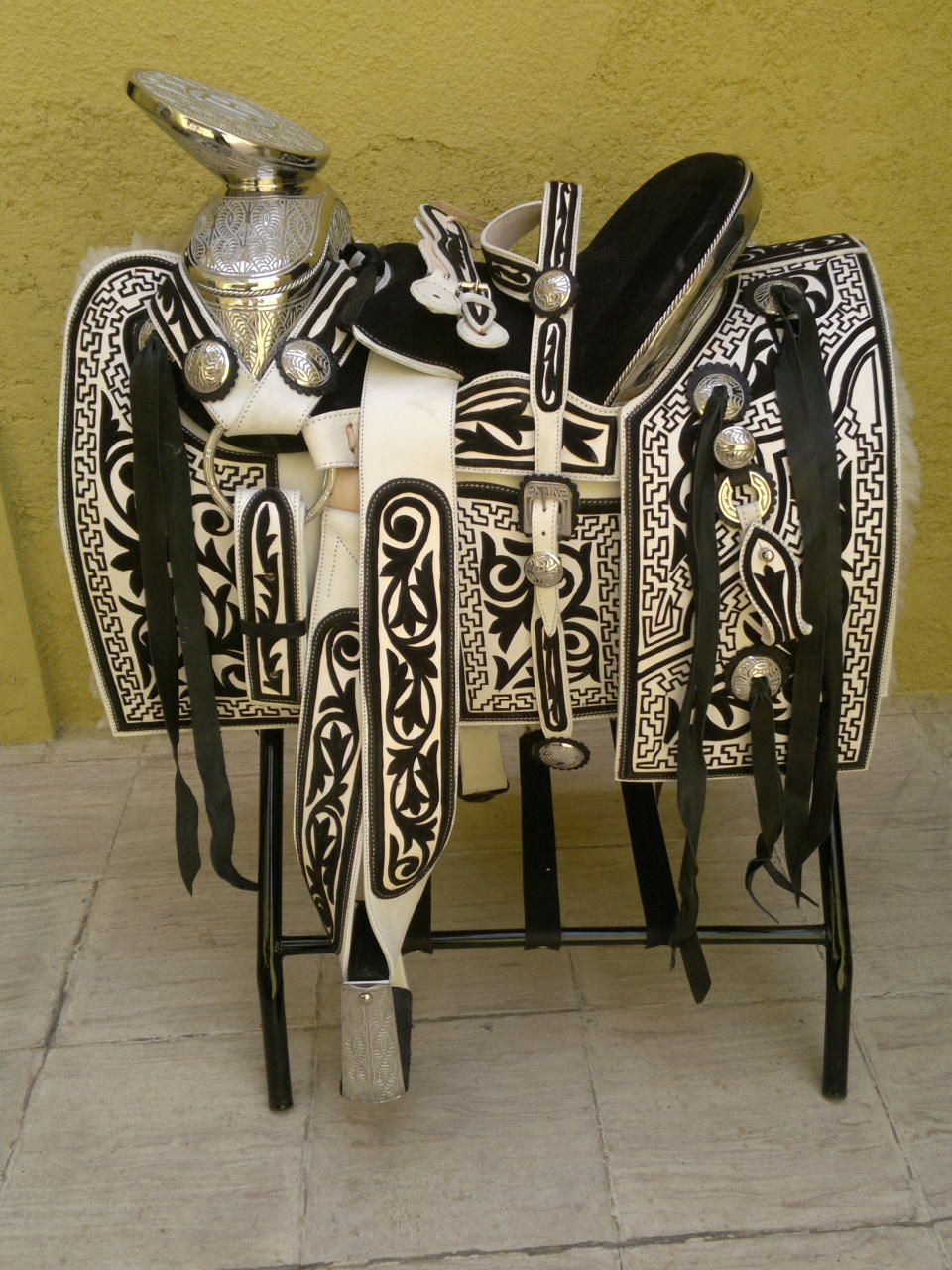 Montura navajeada caballos pinterest charreria caballos y sillas - Silla montar caballo ...