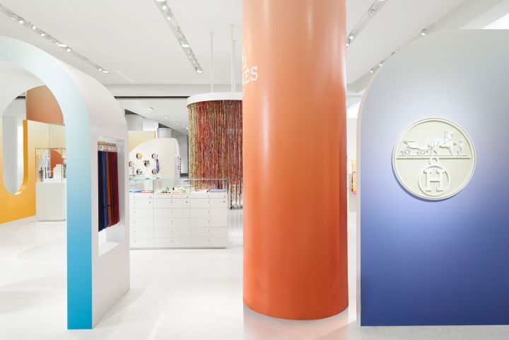 New boutique concept by Stefano Tordiglione Design ... |Curved Line Display Visual Merchandising
