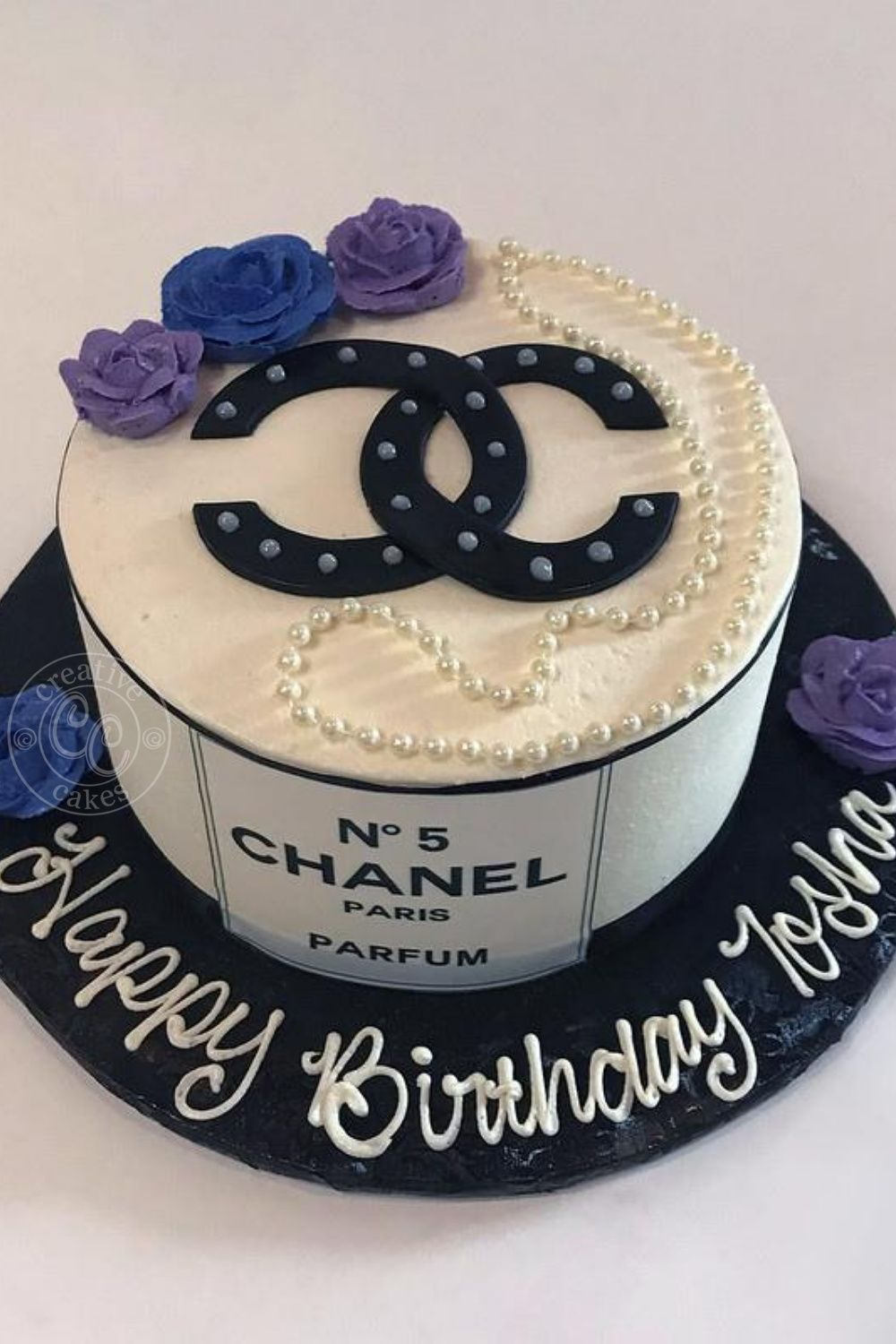 Chanel Birthday Cake In 2020 Chanel Birthday Cake Cake Birthday Cakes For Teens
