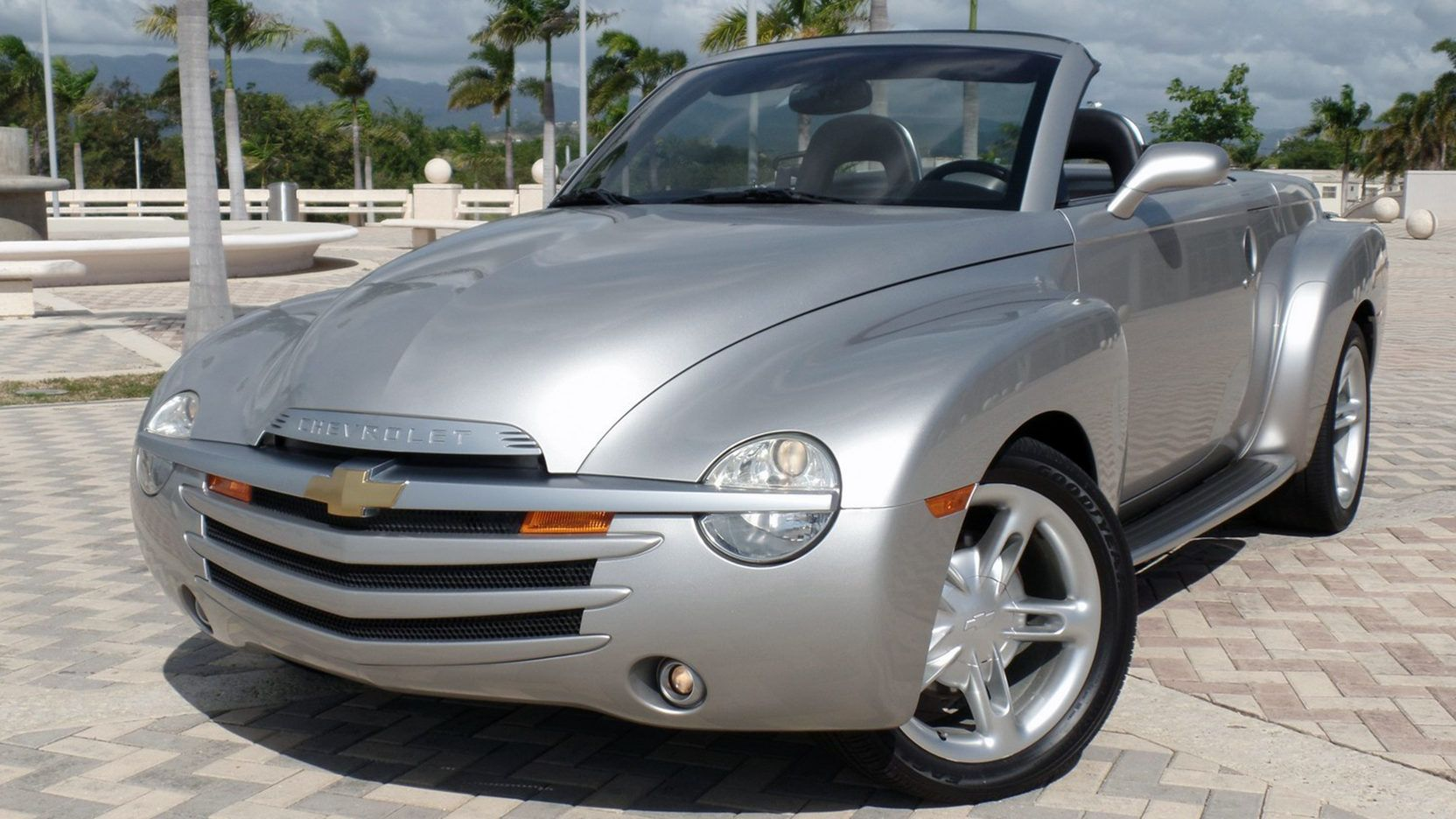 2004 Chevrolet Ssr 1 Print Image With Images Chevrolet Ssr