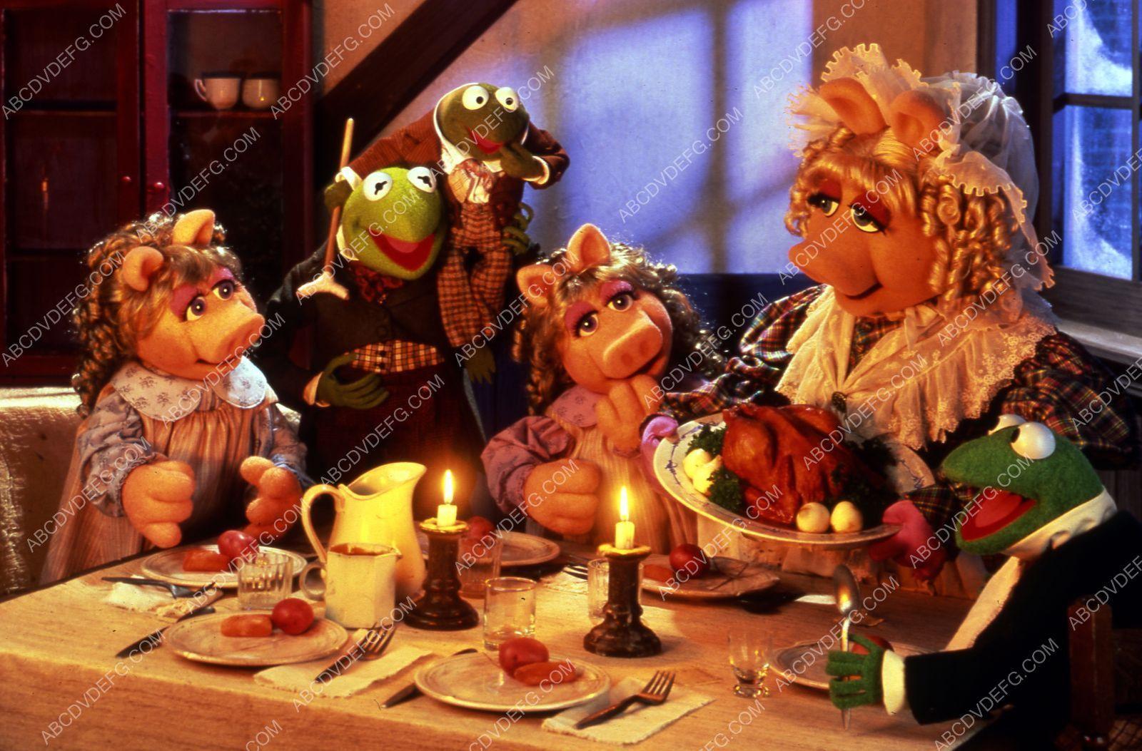 Miss Piggy Kermit the Frog film The Muppets Christmas Carol 35m-7062 ...