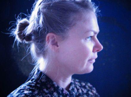 Uddannet fra Kolding Designskole i 2009. Medlem af DKoD- Danske Kunsthåndværkere, ProKK- Professionelle Kunstnere/ Kunsthåndværkere & KKS- Kvindelige Kunstneres Samfund. Arbejder ved Fyns Grafi…