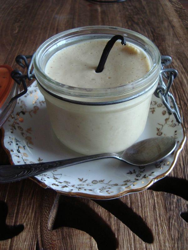 Mousse au Chocolat Blanc à la Vanille @ La Valkyrie Végétarienne