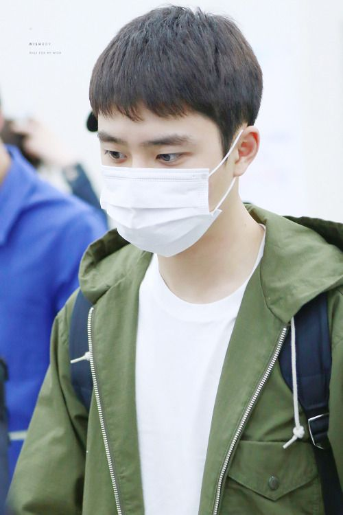 D.O - 160504 Tokyo Airport, departing for Gimpo - 1/3 Credit: Wish Boy. (도쿄공항 출국)