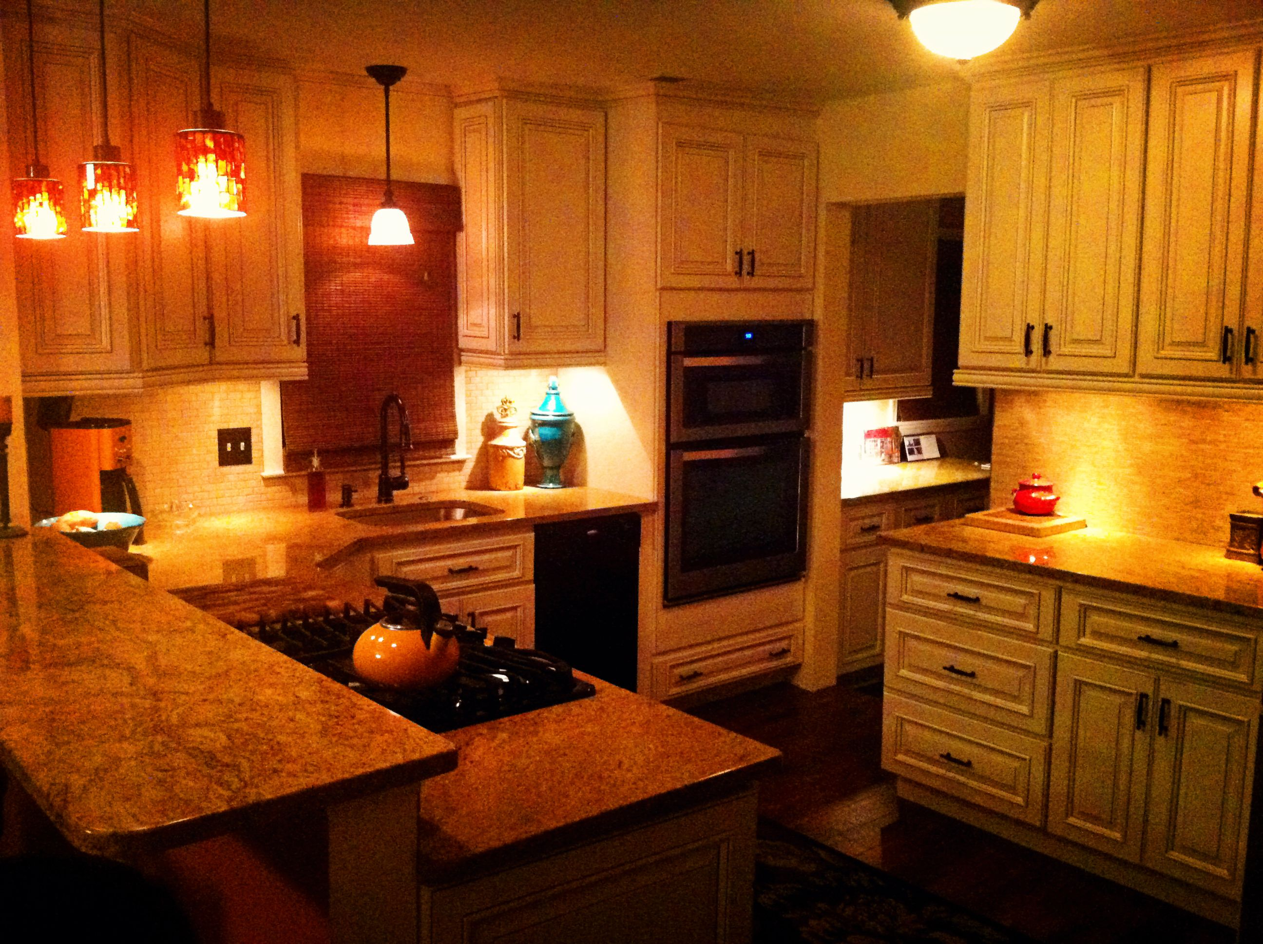 this is my kitchen and design river run cabinets in hampton glaze this is my kitchen and design river run cabinets in hampton glaze granite bar