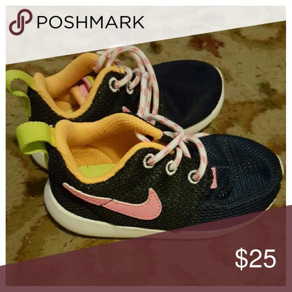 3e908c9fe61e Infants nike roshe Roshe run shoe